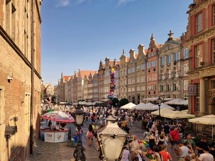 St Dominic Fair in Gdansk makes the town even more crowded